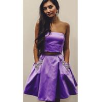 lila wulst kurze prom kleider großhandel-Heißer Verkauf Lila Zweiteilige Kurze Heimkehr Kleider mit Taschen Perlen Short Prom Kleider für frauen