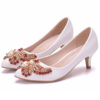 hochzeit schuhe kleine fersen großhandel-New Fashionl Weiße spitze Schuhe für Frauen 5cm Fersen Perlen Hochzeit Schuhe kleine dicke Ferse Schuhe Plus Size