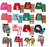 erkek gecelik triko toptan satış-Çocuklar Noel Pijama Set Noel Santas küçük Yardımcı kız erkek pamuk pijama Kardan Adam karikatür pijama çocuk Süper adam kahraman gecelikler sıcak