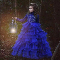padrões de vestido de noiva ruffles venda por atacado-Queda 2018 Padrão Flowergirl Vestidos De Alta Pescoço Cadarço Rendas Babados Saia De Mangas Compridas Royal Blue Vestidos De Casamento Dos Miúdos
