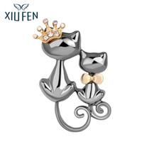 güzel göğüsler toptan satış-Sangdo Kadın Kızlar Rafine Broş Güzel Kedi Pırıltılı Metal Rhinestone Meme pin Doğum Günü Noel Hediyesi zk30