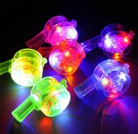 flash de silbato al por mayor-LED Light Up Flash Whistle intermitente Multi Color Juguetes para Niños Accesorios de Pelota Favores de Fiesta Suministros Festivos Color Puro 1 15lh bb