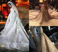 cuentas de camuflaje al por mayor-2018 Vestidos de novia de encaje de primavera Scoop Corte largo tren apliques sin respaldo Beads Princesa Sexy Royal Wedding vestidos de novia