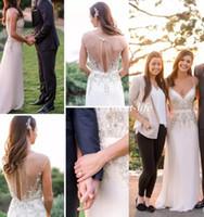 v boyun çizgili kılıf elbisesi toptan satış-Rhinestones Gelinlik 2018 Beyaz Vintage Sheer Boyun Cap Kollu Aç Geri Kristaller Kılıf Bahar Düğün Konuk Örgün Gelin Önlükler