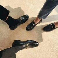 повседневные тапочки оптовых-2018 мулов принцтаун мужчины женщины меховые тапочки мулов квартиры натуральная кожа роскошный дизайнер мода металлическая цепь женская повседневная обувь US5-US11