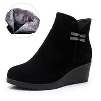 88a8dc8e2faae0 2018 Bottes Automne / Hiver Grandes Tailles Noires En Cuir Véritable Bottes  Femmes Chaussures Confort Plus Warm Velvet Compensées Chaussures Bottines  pour ...