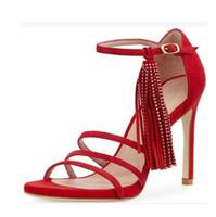 La estación t europea y americana sirve palabra hebilla zapatos de boda  modelo de moda de cuero genuino alta banquete superior sandalias de tacón  alto de ... c3cc3cb2b656