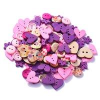 botones rosados agujeros al por mayor-100 Unids Mezclado de 2 Agujeros Botones de Madera DIY Rosa / Café / Azul Patrón de Corazón Botones Decorativos Ajuste de costura Scrapbooking Craft