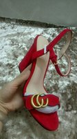 yeni stil altın ayakkabı topuklu toptan satış-Yeni Avrupa klasik lüks mal tarzı bayanlar yüksek topuklu ayakkabılar saf deri hakiki altın harfli dekoratif kemer toka ile süsleme ma ...