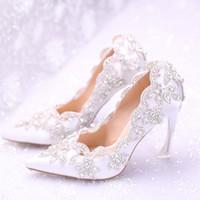 dantel ayakkabıları inci toptan satış-2018 Şık İnciler Düz Düğün Ayakkabı Gelin Balo Için 9 CM Yüksek Topuklar Artı Boyutu Sivri Burun Dantel Gelin Ayakkabıları