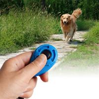 ingrosso barking collare ricaricabile-Bottone per cuccioli di gatti per cani da compagnia all'ingrosso Click Clicker Training Trainer Aiuto Cinghia da polso
