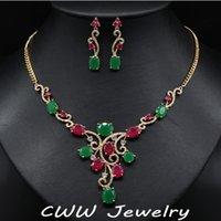 conjunto de collar verde esmeralda al por mayor-CWWZircons Vintage Color Oro Amarillo Natural Rojo Y Verde Creado Esmeralda Collar de Novia Pendientes Conjunto de Joyas Para Boda T122
