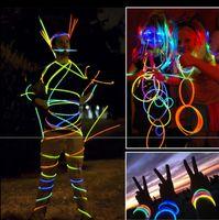 führte halskette neon großhandel-Multi Farbe Heißer Knicklicht Armband Halsketten Neon Party LED Blinklicht Stick Zauberstab Neuheit Spielzeug LED Gesangskonzert LED Flash Sticks 2018
