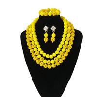kolye sarı toplar toptan satış-Son Sarı Afrika Boncuk Gelin Takı Setleri Altın Kadınlar Için Büyük Top Kalın Kristal Bildirimi Kolye Seti Düğün Hediye 2018
