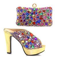 mehrfarbige partytaschen großhandel-Neueste goldene Farbe italienische Damen Schuhe und Taschen zu Match Set Nigerian Schuhe und passende Tasche afrikanische Hochzeitsschuhe und Tasche Set