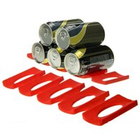 peut mettre des racks de rangement achat en gros de-Rouge Silicone Tin Can Stockage Titulaire Réfrigérateur Espace Saver Bière Organisateur Rack Tin Peut Mat De Rangement Cuisine Outil