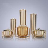acryl kosmetik gläser flaschen großhandel-15g 30g 50g 30ml 50ml 100ml Leere Gold Quadratische Form Acryl Lotion Creme Pumpe Flasche Kosmetikbehälter Luxus Bogen Cremetopf