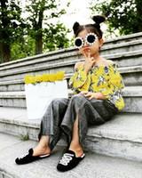 kapalı omuz kostümleri toptan satış-Moda çocuk Set Off-omuz Üst Yüksek bel Geniş bacaklı Pantolon Çiçek Giyim Seti Sarı Baskılı Pantolon Kostüm