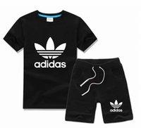 vêtements de sport pour bébé achat en gros de-2019 HOT SELL classique Nouveau Style Vêtements Pour Enfants Pour Les Garçons Et Les Filles Costume De Sport Bébé Infant À Manches Courtes Vêtements Enfants Ensemble