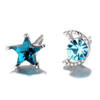 mavi ay küpeleri toptan satış-Romantik Yaratıcı Mavi Yıldız Ay Asimetrik Saplama Küpe Kadınlar Kakma Zirkon Mizaç Yıldızlı Flaş Elmas Küpe