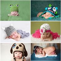 новорожденный вязание крючком мальчиков оптовых-Горячие продажи новорожденных фотографии реквизит шляпа новорожденных мальчиков девочек Вязание крючком костюм костюмы вязание 0-6 месяцев детские фото аксессуары Cap