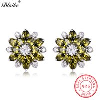 оливковые зеленые свадебные украшения оптовых-Blaike 100% Real S925 Sterling Silver Peridot Birthstone Snowflake Stud Earrings For Women Olive Green Zircon Earrings Jewelry