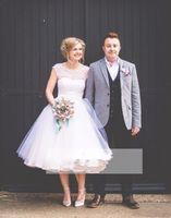 Wholesale dot wedding dress vintage - 2018 Puffy Organza Skirt Short A Line Wedding Dresses Scoop Short Sleeves White Dots Country Wedding Bride Dresses Garden Bridal Gowns