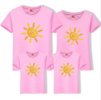 aile kıyafeti gömlek toptan satış-Erkekler Kadınlar T-Shirt Aile Eşleşen Giyim Güneş Baskılı Pamuk T gömlek Kısa Kollu Ebeveyn-Çocuk Rahat Aile Yaz Kıyafetler