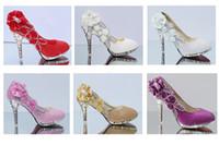 ingrosso scarpe nuziale nuziale in vendita-Vendita calda Donna Scarpe da sposa Stile principessa Pizzo Applique Bordare Decorato Scarpe da sposa Tacco alto Scarpe da sposa moda