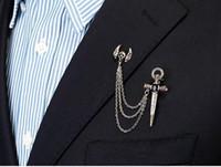 cruzar las alas del cráneo al por mayor-Accesorios de vestimenta de personajes específicos Broche retro europeo y americano Cruz Calavera Alas Cristal Broche Pin Hombres