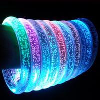 bracelet en acrylique achat en gros de-LED acrylique paillettes lueur flash led bracelet allumer jouets bâtons lumineux cristal anneau à la main bracelet magnifique danse fête cadeaux de noël