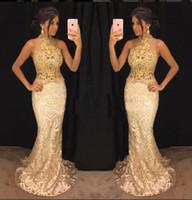 desgaste do partido do pescoço da cabeçada venda por atacado-2018 New Elegante Ouro Lace Appliqued Sereia Vestidos de Baile Halter Pescoço Brilhante Sem Mangas Vestidos Formais Vestidos de Festa Vestidos de Noite