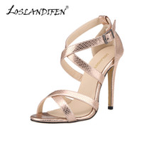 zehen gefesseltes leder großhandel-Sandalen Frauen Kreuz-gebunden Sommer Freizeitschuhe Fashion Open Toe Schnalle High Heels Damen Crocodile Party Sandale Leder 102-1A-XEY