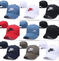 chapeaux d'été ajustables achat en gros de-2018 été nouvelle marque mens designer chapeaux réglable snapback casquettes de baseball luxe dame de mode chapeau camionneur casquette femmes causal ball cap