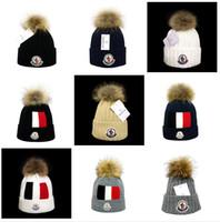 chapeau femme drôle achat en gros de-Nom de marque Canada Hip Hop Bonnets avec Funny Pom Classique Mode Casual hiver Out Door Monc Laine Skullies Bonnet Chapeau Pour Hommes et Femmes