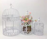 cage en fer noir achat en gros de-Européenne Blanc et Noir Vintage Cages À Oiseaux De Mode Cinnamon Fer Cage À Oiseaux De Mariage décoration accessoires décoration décorative cage à oiseaux