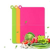Wholesale flexible plastic cutting board - 3 Color Plastic Folding Cutting Board Kitchen Flexible Folding Cutting Chopping Slicing Plastic Board EEA166 50pcs
