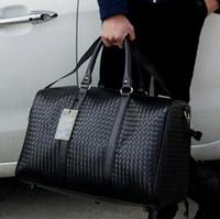 saco de bagagem mulher trole venda por atacado-Mão Waterproof Viagem Bagagem Bag PU Couro Rolando Mala Trolley bagagem WomenMen Shoulder gratuito Bag Adolescente Duffle Totes