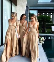 платье невесты сексуальное v шея оптовых-Лето шампанское невеста платье 2020 Sexy V-образный вырез-Line Длинной горничная честь Gowns с Split Формальных гостей свадьбы платья на заказ BM0141