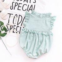 tek parça kıyafetler toptan satış-Bebek Giyim 2018 Yenidoğan Bebek Kız Kolsuz Ruffles Bir adet Romper Tulum Giysileri Kıyafetler Bandı Ile Yaz Tarzı