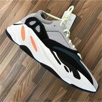 Wholesale Red Chalk - Discount Kanye West Boost Retro Wave Runner 700 Grey Causal Shoes Boost Mens Women Solid Grey Chalk White Core Black Sneakers Size US5-12