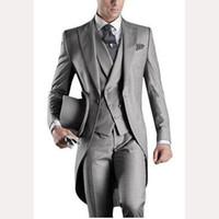 мужские костюмы свадебный серый фрак оптовых-2017 Groom Slim Fit Men Suit Tailcoats Light Grey Custom Prom Groomsmen Mens suits Wedding Tuxedo ( Jacket+Pants+Vest+Tie+Hanky)