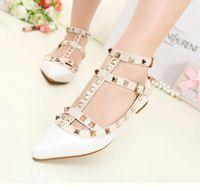 estiletes oxford venda por atacado-Mulheres Pointy Toe Oxfords Sandálias Sapatos de Salto Plana com Tira No Tornozelo Rebites Sapatos de Balé Mocassins Sandálias Oco