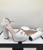 neue schuh europäische stile großhandel-Home Schuhe Accessoires Sandalen Produktdetail Neuer Stil, spitzer, rauer Absatz, Sommer, europäisch und amerikanisch, Niete, One-Word-Button,