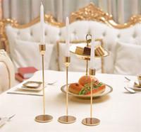ingrosso candele decorative cinesi-3 pezzi / set portacandele in metallo stile cinese semplice decorazione di nozze d'oro bar party living room decor home decor candeliere