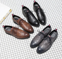 mens oxford casual chaussures noir achat en gros de-Brand Designer-Hommes chaussures de sport en tricot à la main en cuir noir robe de mariée formelle derby oxfords chaussures plates tan brogues chaussures pour hommes