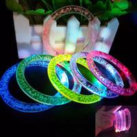 bracelet en acrylique achat en gros de-Led Glitter Bracelet Bandgle LED Cristal Gradient Couleur Bague À La Main Acrylique Glow Flash Light Sticks Partie Danse De Noël Fournitures TOys HH7-1447