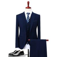 traje azul hombres gris novio al por mayor-2018 Gris Negro Azul Hombres Traje Slim Fit 3 piezas Novio Esmoquin Fiesta formal Chaqueta Trajes de novio de novia (Blazer + Pantalones + Chaleco) S-5XL