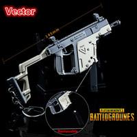 pistolenverzierung großhandel-PLAYERUNKNOWNS BATTLEGROUNDS Keychain PUBG-Vektor 145MM Metallmodell-Waffe Schlüsselanhänger Pot-Ornamente Spielzeug-Ornamente Modell-Prop