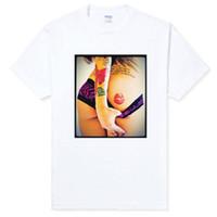 nackter kunstmann großhandel-Lippen eingefärbt Mädchen Tattoo Symbol heißen Punk Rock sexy Kunst nude Geschenk Party Männer T-Shirt hochwertiger Baumwolle Hip Hop Kurzarm kurz
